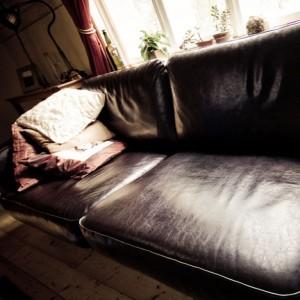 革張りソファのメリット、デメリット